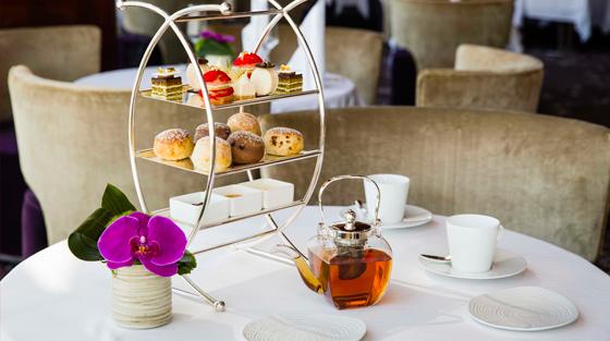The Lounge, Atmosphere High Tea