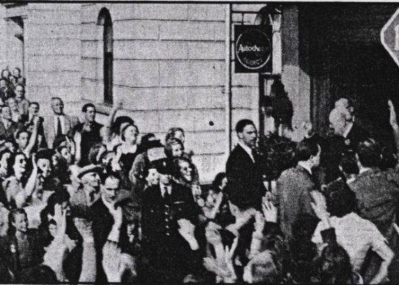Churchill visits White Cliffs hotel 1950s