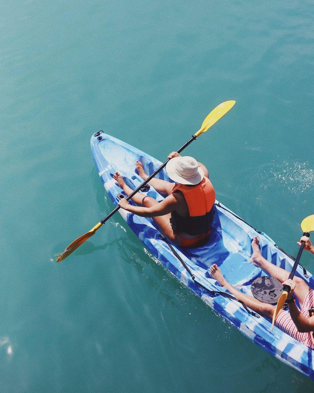 Kayak - taylor-simpson-ROXggehIu7M-unsplash