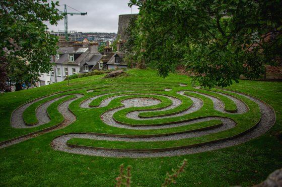 Labyrinth photo by Fabrício Severo, Unsplash
